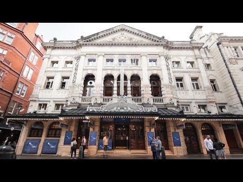 Noël Coward Theatre - Social Story