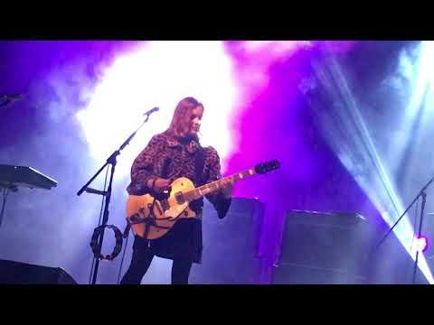 Slowdive- when the sun  hits - live 02.09.2017 segrate