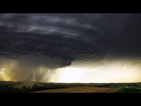 Убийственный ураган в Казахстане. Есть погибший и штормовое предупреждение