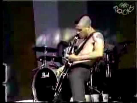 Red Hot Chili Peppers: Give it Away (Rolling Rock Festival)
