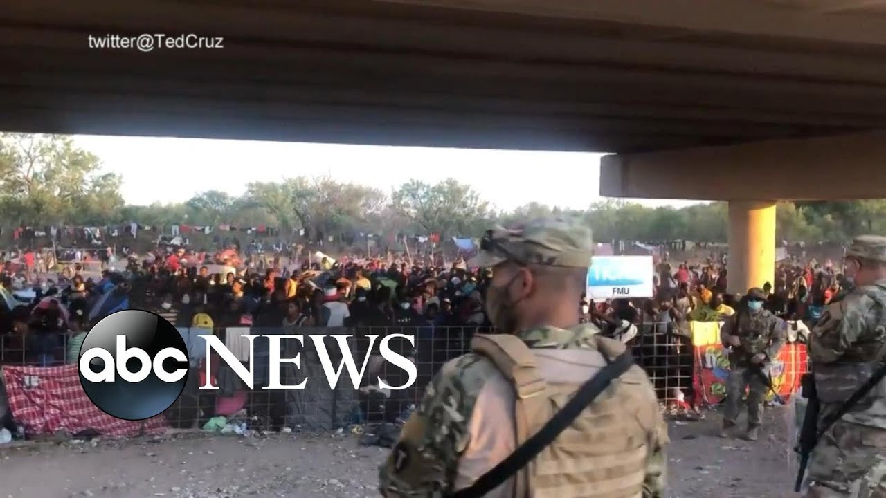 Download Texas city declares state of emergency over migrants