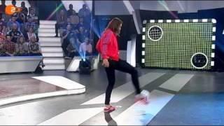 Repeat youtube video Torwand: Tennisprofi Andrea Petkovic  gegen den YouTube-Kandidaten
