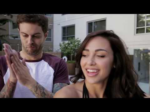 Смешная реклама с девушкой