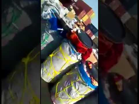 Karachi port cargo staff are stealing goods. Karachi port cargo handling