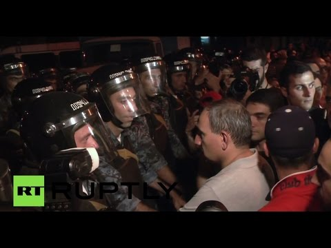 Armenia: Scores injured in clashes over hostage situation in Yerevan