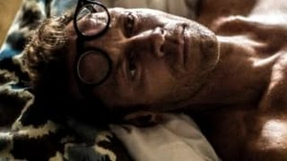 ROCCO SIFFREDI NON L AVRETE MAI VISTO COSI' GROSSO PROMUOVE IL FILM BOMBER VERO!!