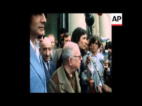 UPITN 27 6 79 JEAN PAUL SARTRE VISITS ELYSEE PALACE IN PARIS  TO DISCUSS VIETNAMESE REFUGEES