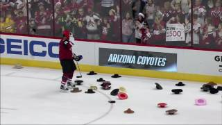 Milestone: Coyotes fans toss cowboy hats for Doan