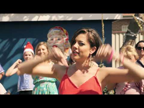 Aussie Aussie Christmas - Amber Lawrence [Official Video]