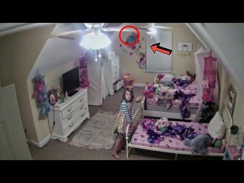 Çocuklarının Odasına Kamera Yerleştiren Anne Korkunç Bir Şey Fark Etti.