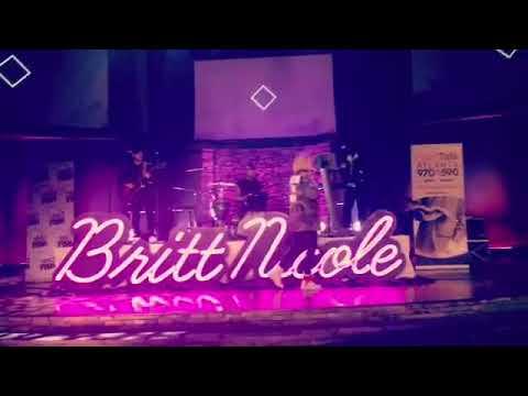 Britt Nicole - Girls Night Out (Live)