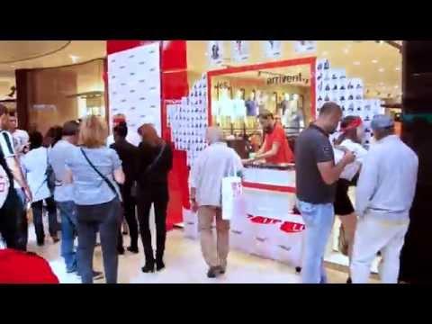 Marseille Terrasses du Port - street marketing event