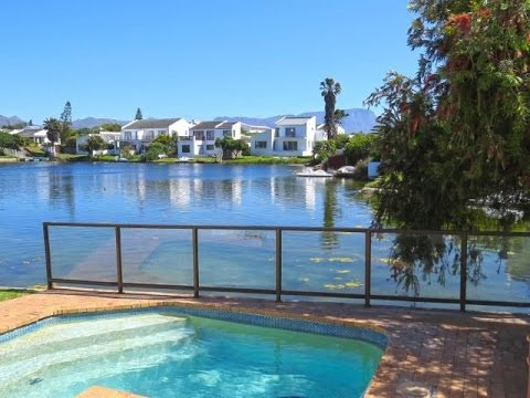 3 Bedroom House For Sale in Marina Da Gama, Cape Town, Western Cape, South Africa for ZAR 3,095,000