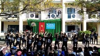 """Nhảy flashmob """"Waiting for love!!""""-10A2 Phạm Văn Đồng (Quảng Ngãi)"""