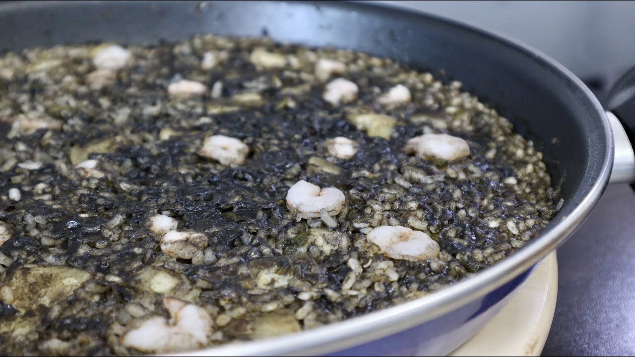 Arroz Negro Con Sepia Y Gambas Youtube