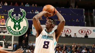 The Milwaukee Bucks are signing C/F Johnny O'Bryant to a training camp deal