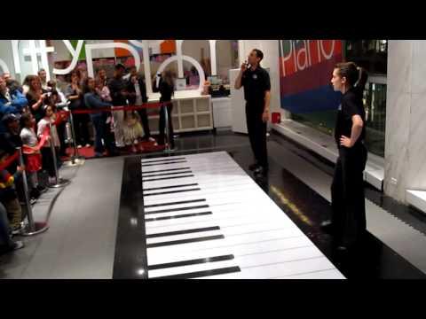 FAO Schwarz BIG Piano Performance