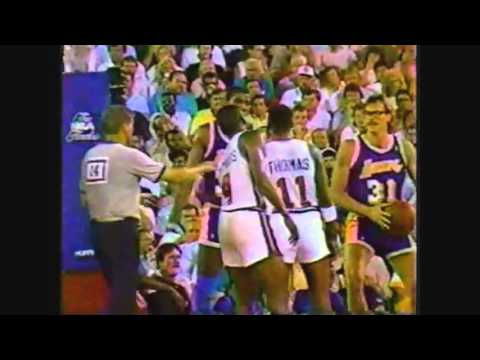 Magic Johnson hits Isiah Thomas - Old School Basketball