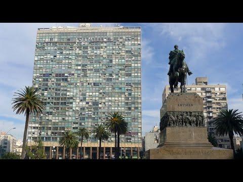 Walking in Montevideo ( Uruguay)