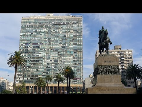 Walking in Montevideo ( Uruguay)