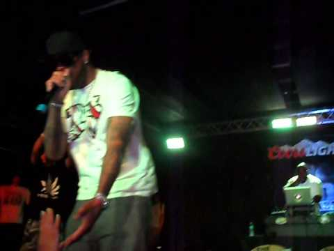 thug from around the way-slim thug live