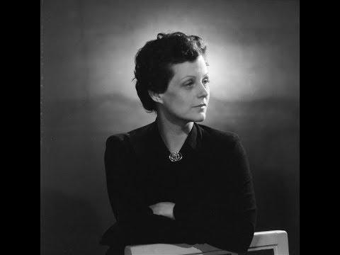 "Irène Joachim sings ""Le bestiaire"""