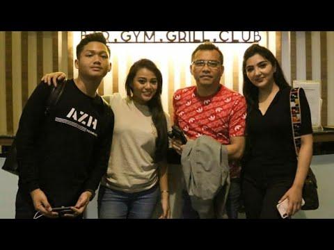 Anang, Ashanty, Aurel Dan Azriel Masih Di Singapore 😍