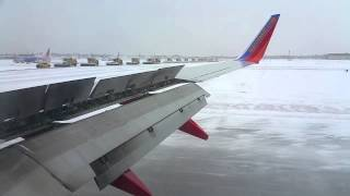 Another arrival in to Snowy Chicago-Midway Southwest Airlines 737-800