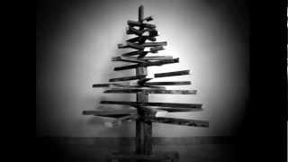 Oh Tannenbaum Designer Christmas Trees Exhibition 2012 X-mas Pallet-tree By Javipop Visual&design