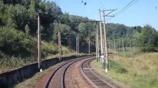 Из кабины электровоза Бескит - Скатарское - Воловец(Вид из кабины электровоза спускающегося с Бескитского перевала на ст. Воловец., 2013-08-25T09:41:50.000Z)