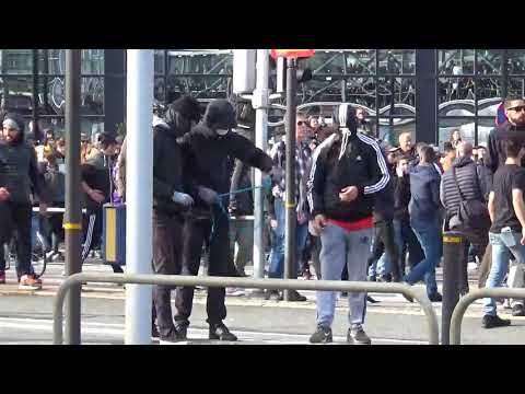 Vänstern attackerar polisen i Göteborg