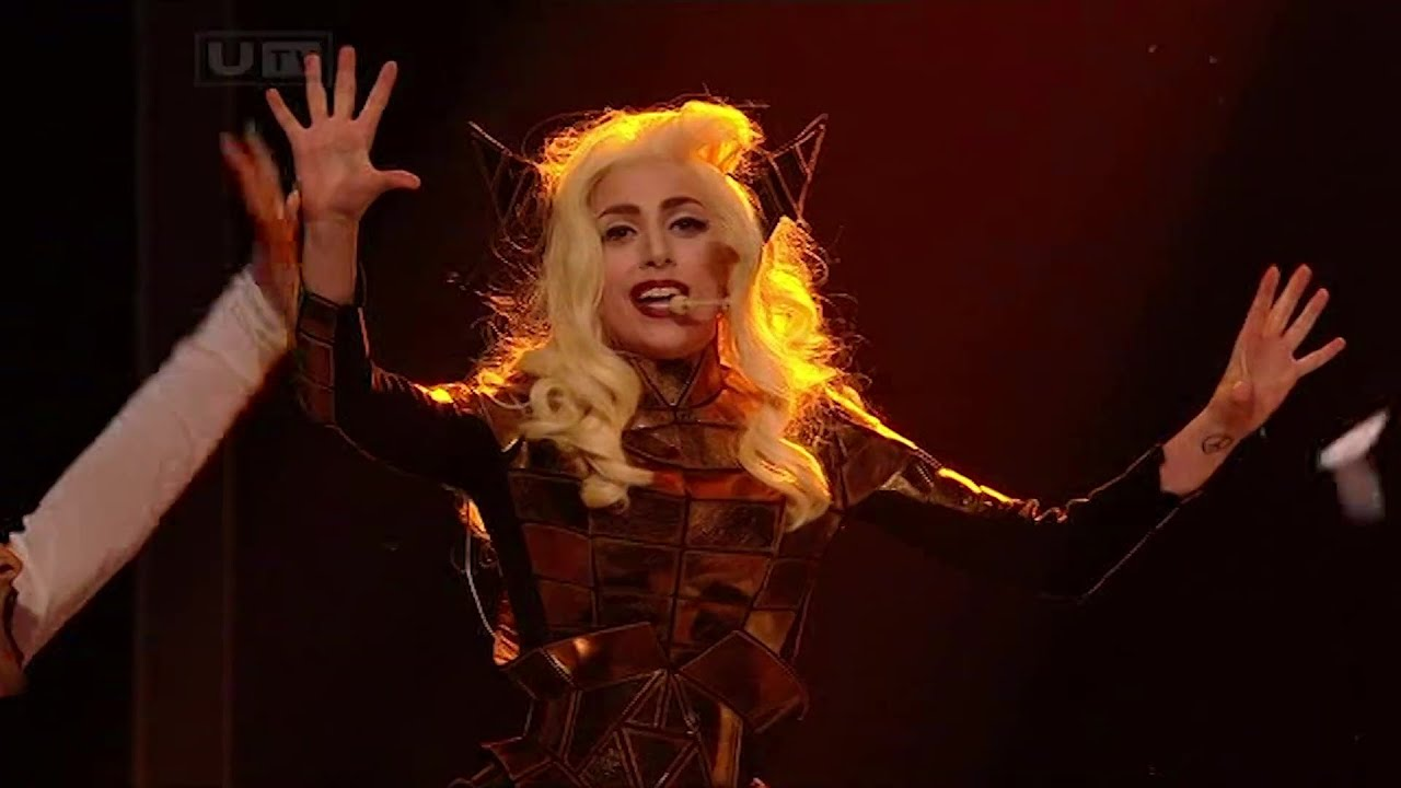 Lady Gaga - Bad Romance Live at The X Factor UK (December 6th 2009)
