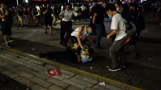 Violence breaks out as police try to clear Hong Kong protesters | AFP