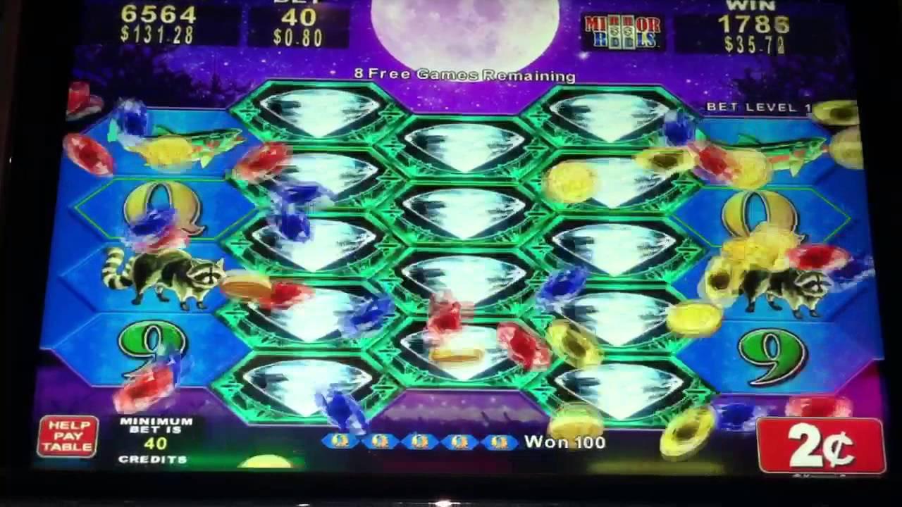 Full Moon Diamond Slot Machine