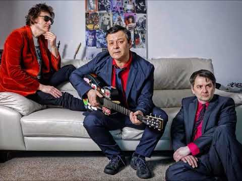12/04/18 - Manic Street Preachers - X-Posure Resistance Is Futile Track By Track