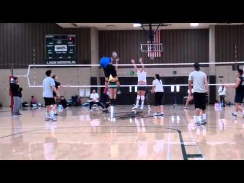 Bóng chuyền là động tác đẹp nhất trong các môn thể thao