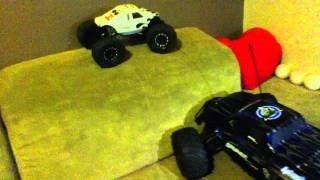 Losi Mini Rock Crawler Pro Roller Couch Crawl