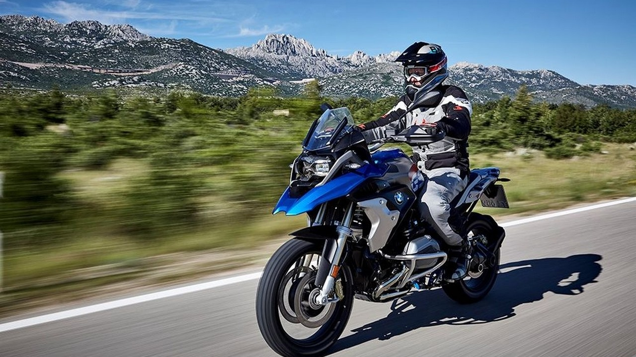 Watch Now! 2017 BMW R 1200 GS Exclusive Reviews Specs - YouTube