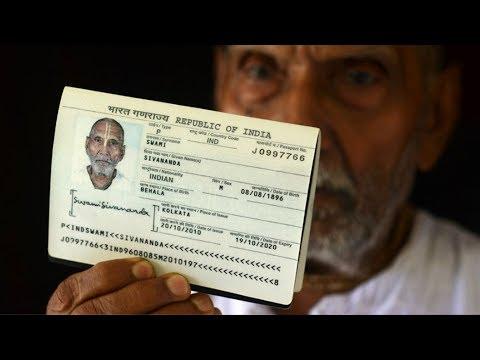 """Картинки по запросу """"Мужчина показал паспорт в аэропорту и ошеломил всех, никто не мог поверить в то, что там указано!"""""""""""