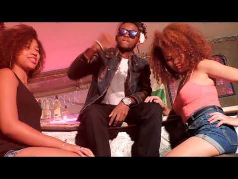 Ngiah Tax Olo Fotsy & R1 pe feat CYR JAH Domona
