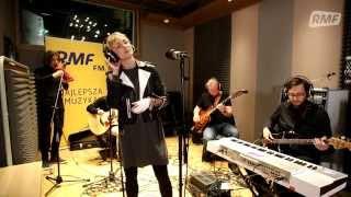 Anna Wyszkoni - Biegnij przed siebie (Poplista Plus Live Sessions)