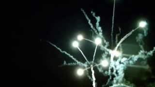 Feuerwerk teils im Wasser-Spiegel [stab.]_Stadtfest Oranienburg 2011_25