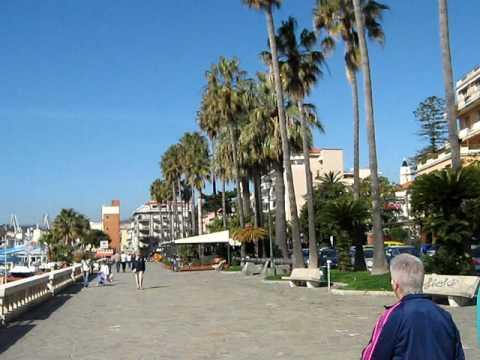 Imperia oneglia passeggiata al mare hotel lucciola youtube for Oneglia imperia