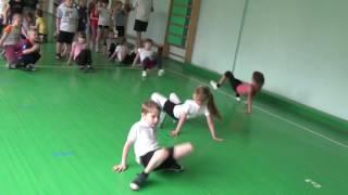 11  Урок физкультуры 1 класс