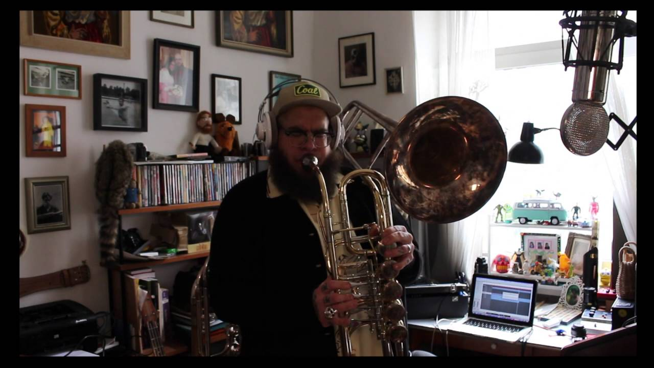 CIMBASSO/BASS TROMBONE - LIVING ROOM IN ORBIT (Minor Bluesage For The Space  Age)