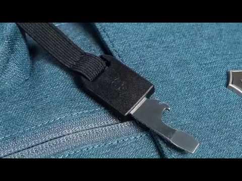 ead8da427 LauraExplains - Victorinox Altmont Classic Backpacks - YouTube