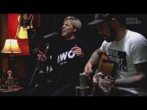 Nicoline - Got Me Again (Acoustic) / Soul Doubt Sessions