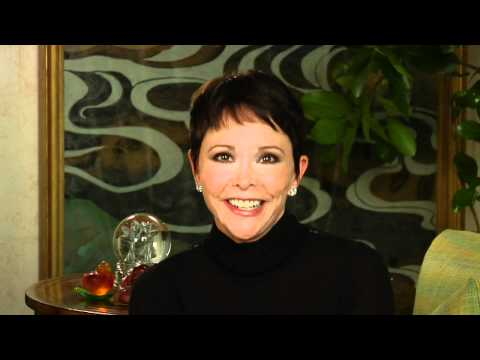 GMA Advice Guru Top 20 Finalist Vicki Iovine - Pitch 1 - YouTube