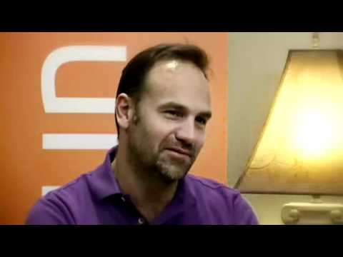 Mark Shuttleworth Talks about Ubuntu 12.04 - 14.04