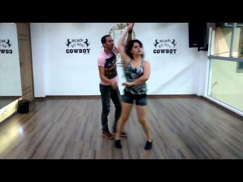 de Dança Sertanejo Universitário Básico